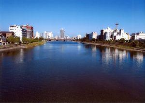 青流鏡川-高知市のシンボル