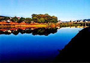 鏡川と石立八幡宮