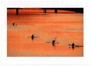 夕陽を漕いで