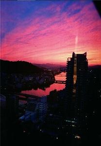 sky aglow with the setting sun -沈む太陽に赤く染まる空-
